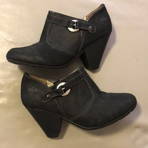 ROY black suede booties
